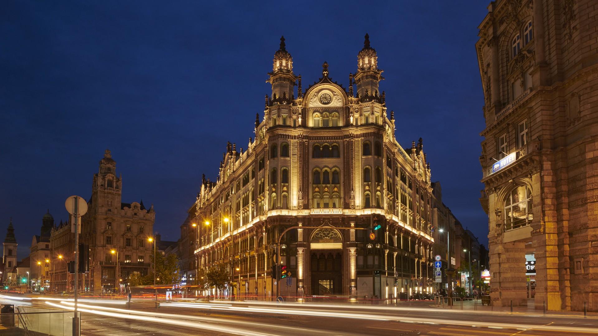 parisi-udvar-hotel-budapest